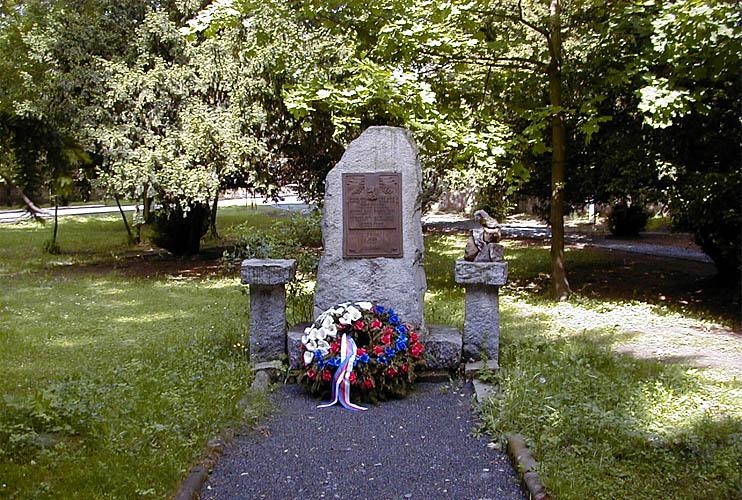Pomník obětem II. světové války z r. 1946 foto: RNDr. Aleš Střecha