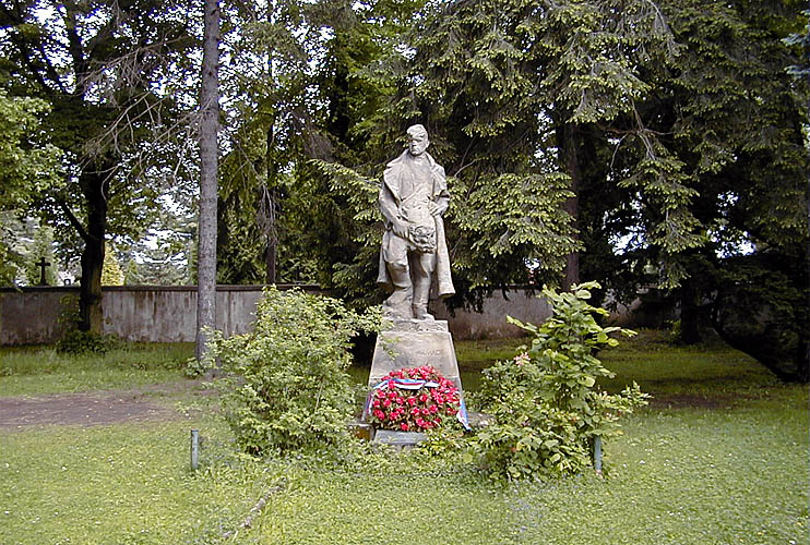 Socha od Taťány Konstantinové z roku 1949, věnovaná Sovětské armádě. foto: RNDr. Aleš Střecha