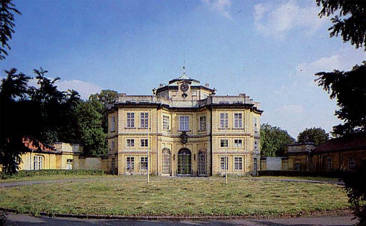 Zámek ve Vinoři - pohlednice foto: Jan Einhorn